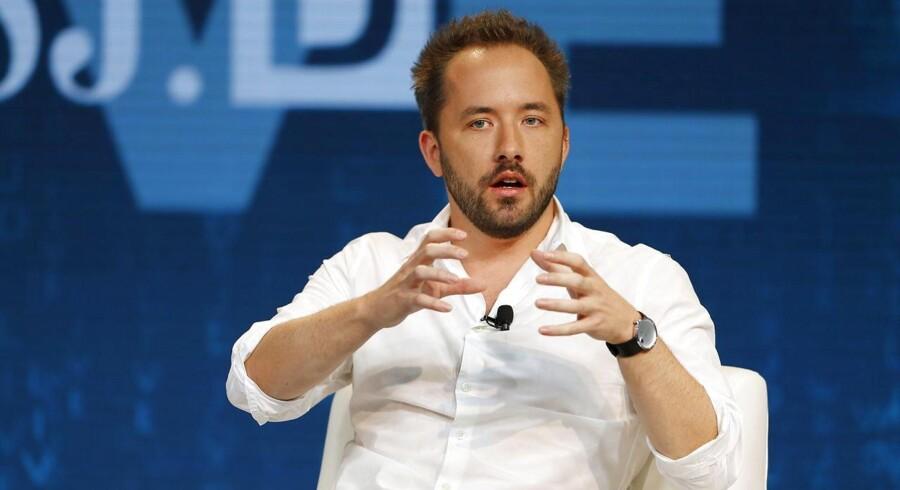 Drew Houston, som er medstifter af og topchef for Dropbox, skærer nu ned på personalegoderne for at vise en bedre økonomi. Arkivfoto: Mike Blake, Reuters/Scanpix