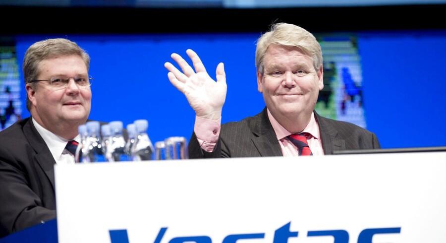 Generalforsamling i Vestas i Muskikhuset i Århus. Her er det koncernchef Anders Runevad og bestyrelsesformand Bent Nordberg der vinker.