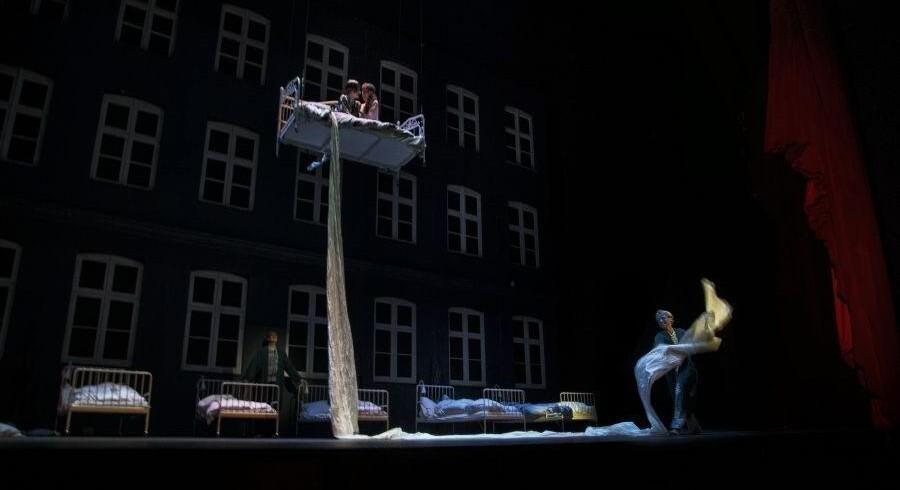 De medvirkende i Det Kongelige Teaters genopsætning af »Maskarade« står som den vigtigste og bedste nyhed, skriver Berlingskes anmelder.