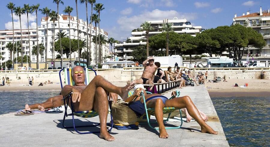 Arkivbillede: Solbadning i Cannes