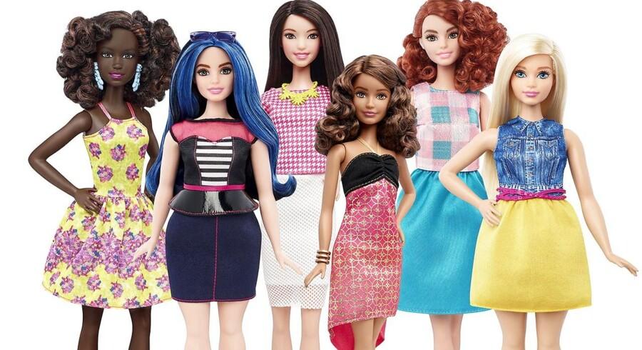 Barbie kommer i en lille, kurvet og høj version. Man kan vælge mellem hårtype, hårfarve, hudfarve og øjenfarve.