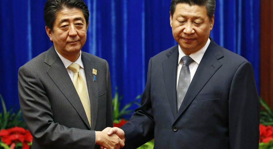 Kinas præsident, Xi Jinping, mødtes i november med Japans premierminister, Shinzo Abe, ved det økonomiske topmøde APEC i Beijing.