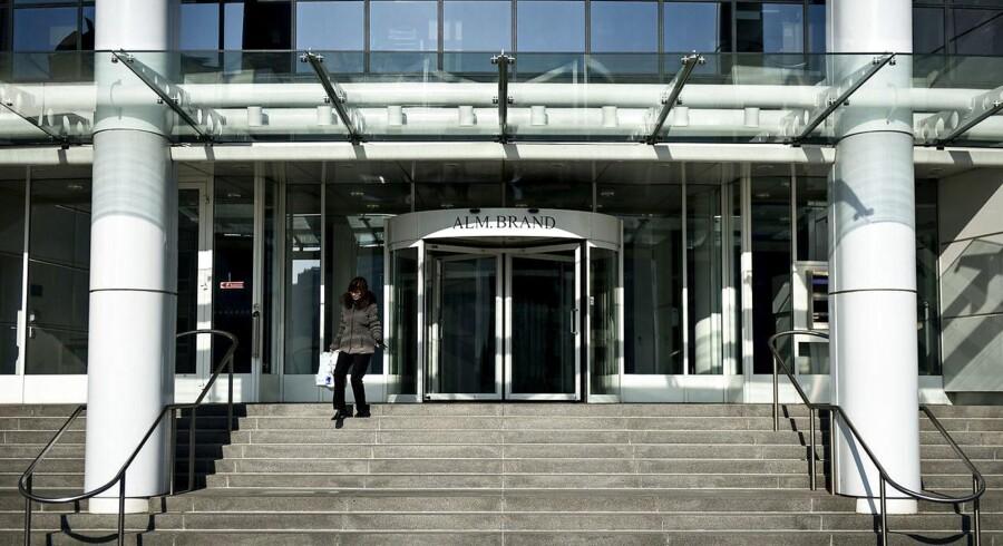 Alm. Brand har mandag morgen meddelt markedet, at selskabet overtager Saxo Privatbank for 360 mio. kr.