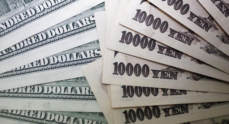 Dollar- og Yen Sedler.