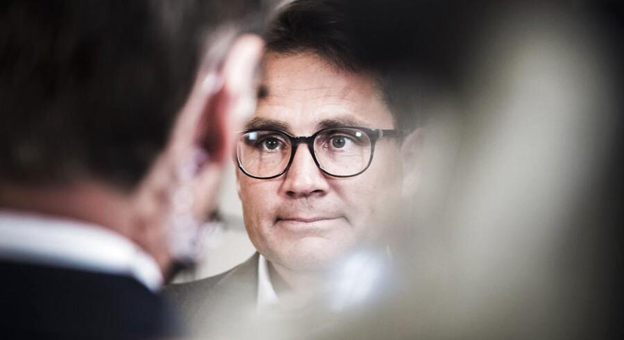 Fhv. kulturminister Brian Mikkelse (K) kalder beslutningen for at genindføre entre på SMK og Nationalmuseet for det mindste af to onder.
