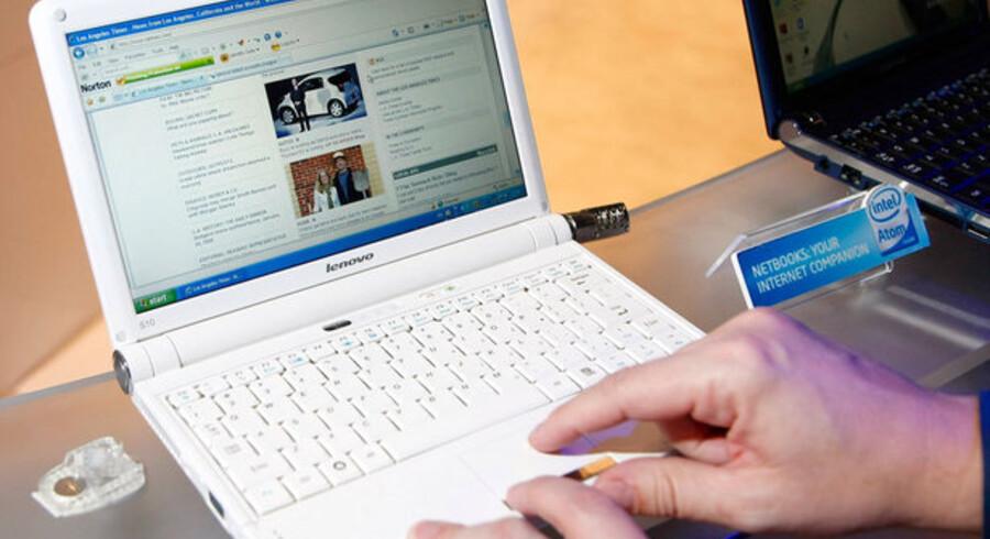 De er små, mini-PCerne, og det er medvirkende til deres succes. Her en Lenovo Ideapad, fremvist på årets elektronikmesse i Las Vegas, USA, i januar i år. Foto: Ethan Miller, AFP/Scanpix