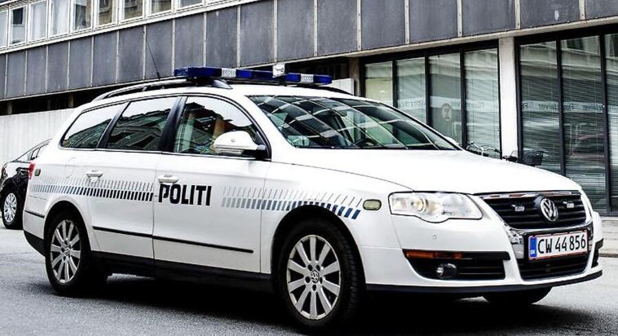 Arkivtfoto. To politifolk er anklaget for at have udøvet vold under en anholdelse af en dengang 16-årig dreng i sommer på Lolland.