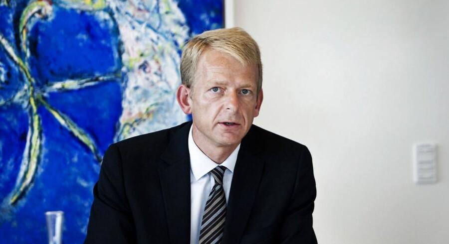 Bjarne Graven Larsen er tilbage i toppen af dansk erhvervsliv. Den 1. maj overtager den tidligere førstemand i FIH Erhvervsbank rollen som økonomidirektør i Novo A/S, holdingselskabet i Novo Gruppen, der er ansvarlig for forvaltning af Novo Nordisk Fondens formue, der har en værdi på mere end 300 milliarder kr.