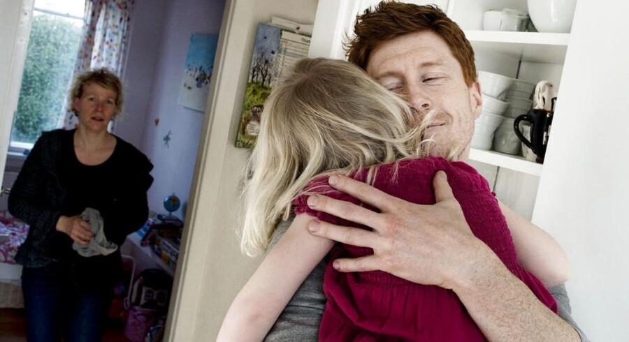 Arkivfoto: Troels og Sine Radmer Jensen med deres datter Filippa, der blev hjerneskadet under fødslen.
