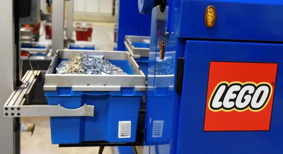 Lego er nu blevet så populært, at problemer med at leve op til efterspørgslen, har ansporet legetøjsproducenten til at lette foden fra speederen på det amerikanske marked. (Arkivfoto)