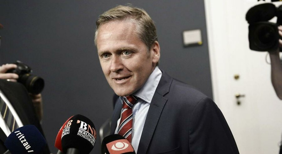 Anders Samuelsen på vej ind til sit ugentlige møde med formændene for de andre blå partier.