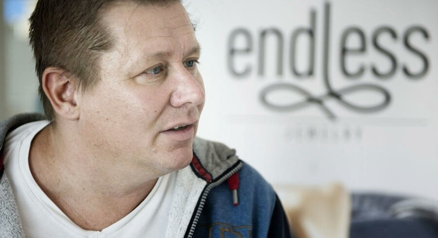 """Jesper """"Kasi"""" Nielsens smykkefirma Endless Jewelry er så stor en succes, at der nu kommer ny direktør og flere penge."""