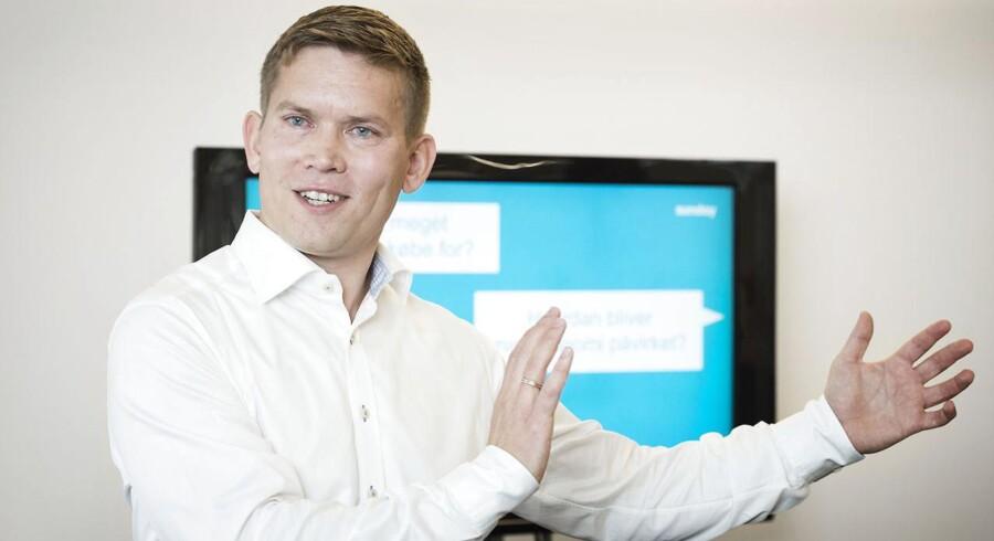 Simon Haldrup, chef for Danske Banks nye initiativ Sunday, lancerer produktet.