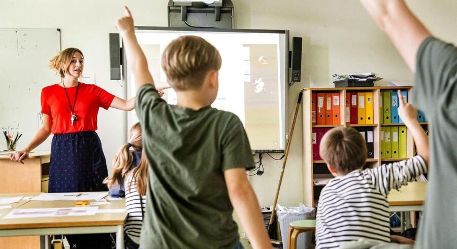 Snak med lærere om OK18 på Gasværksvejens Skole. Simone Engelhardt underviser om pest i historie i 5 u.