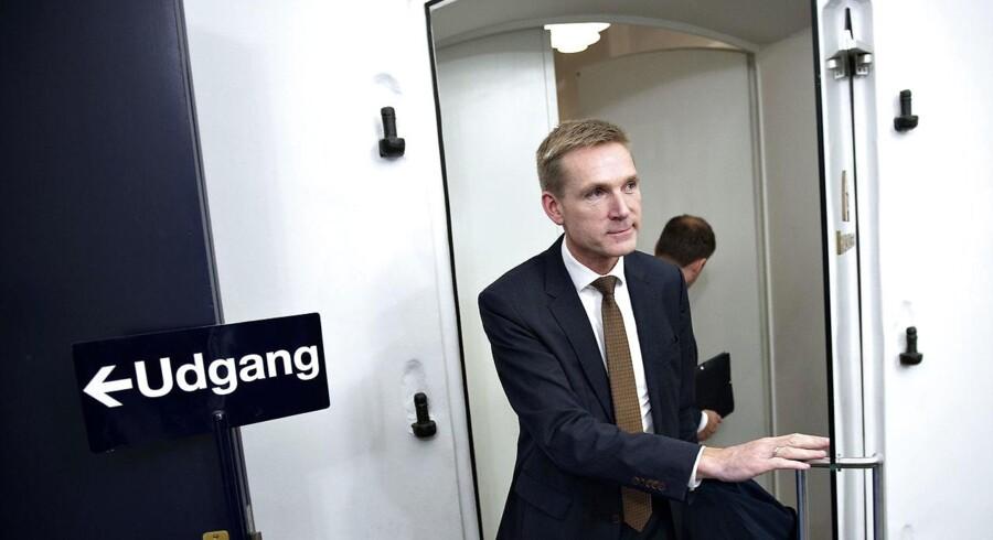Justitsminister Søren Pind (V) bebuder, at den nye politiskole i Vestdanmark først vil stå klar i 2019 eller 2020 – og ikke i 2018 som aftalt. Det er uacceptabelt, mener DF-formand Kristian Thulesen Dahl.