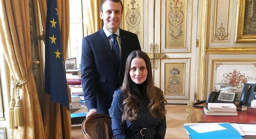 Sherin Khankan i præsidentens stol. Emmanuel Macron var lydhør for imamens forslag om en international konference. Privatfoto