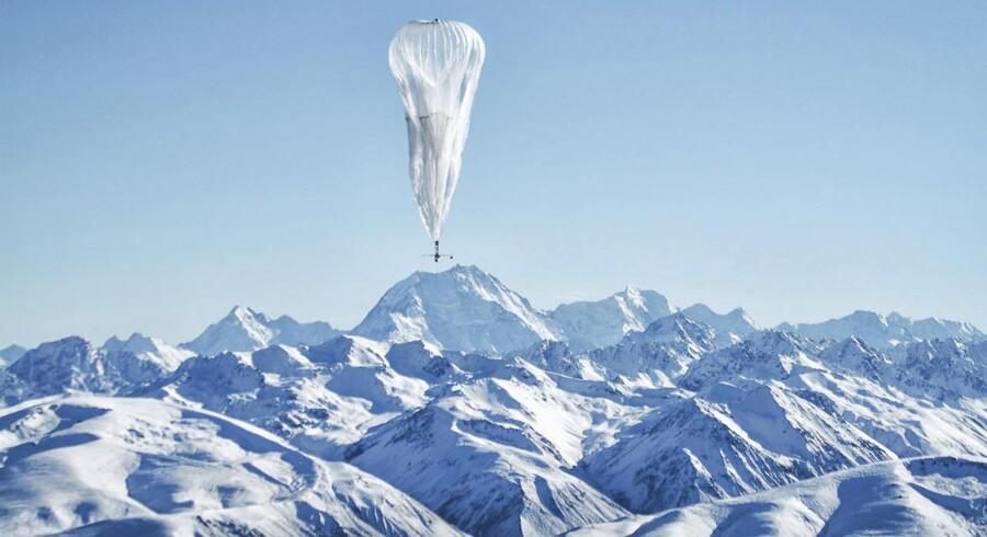 De første Google-balloner blev sendt til vejrs i juni 2013 fra New Zealand. Meningen er, at de skal dække de steder af verden, hvor internetforbindelser ellers er umulige at få. Arkivfoto: John Shenk, Google/Reuters/Scanpix
