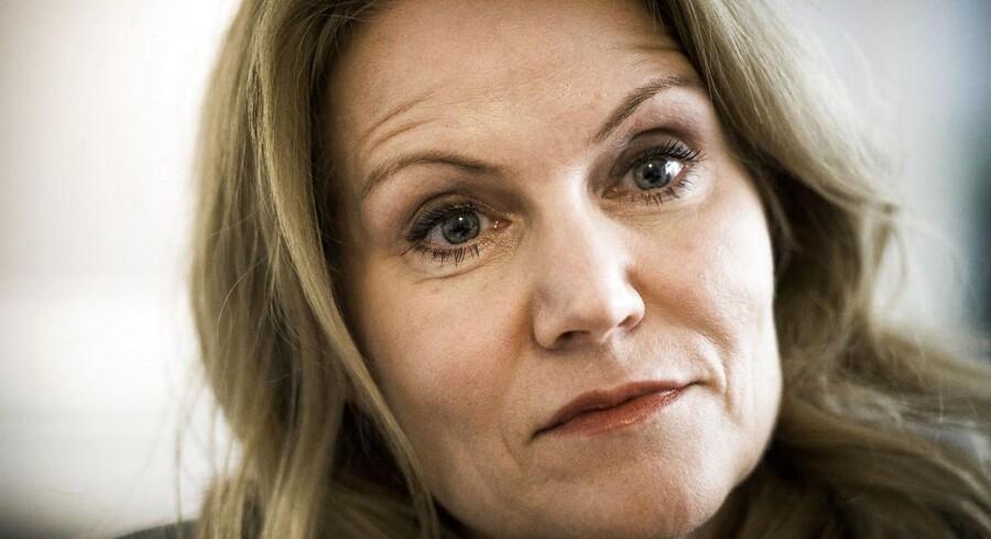 Tidligere statsminister Helle Thorning-Schmidt har i denne uge lagt navn og det ukuelige smil til sin nye biografi.