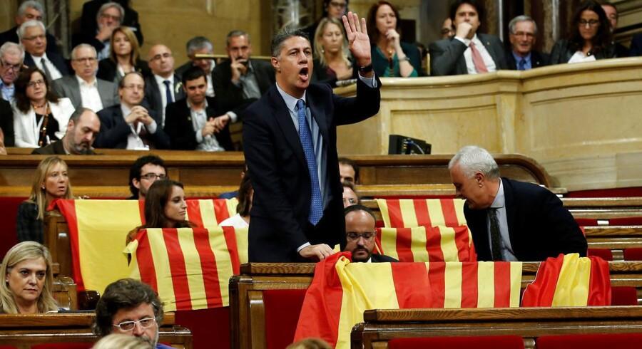 Forud for forventet afstemning om uafhængighed i Barcelona er opposition udvandret fra parlamentet.