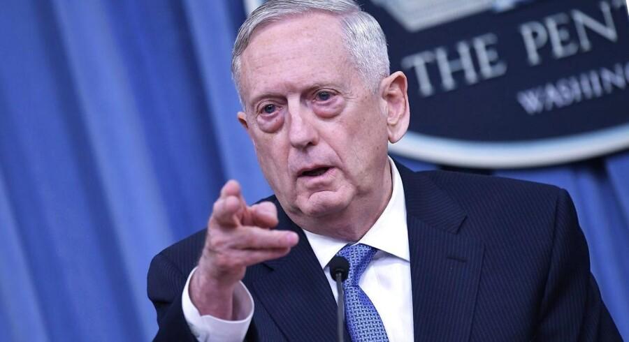 USA's forsvarsminister, Jim Mattis, siger ifølge Reuters, at der ikke kan herske tvivl om, at Syrien har beholdt kemiske våben.