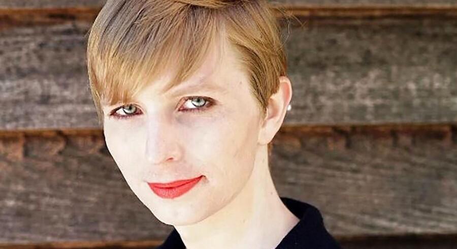 Her var det første billede, som Chelsea Manning tweetede ud, efter hun i slutningen af maj blev løsladt fra forbundsfængslet i Kansas. Hun skulle have siddet inde i 35 år, men præsident Obama valgte at prøveløslade hende fra ultimo maj.