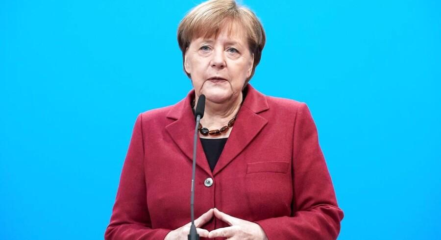 """Angela Merkel, Tysklands forbundskansler, kalder det """"skamfuldt"""", at jødiske institutioner i Tyskland er nødt til at være beskyttet."""