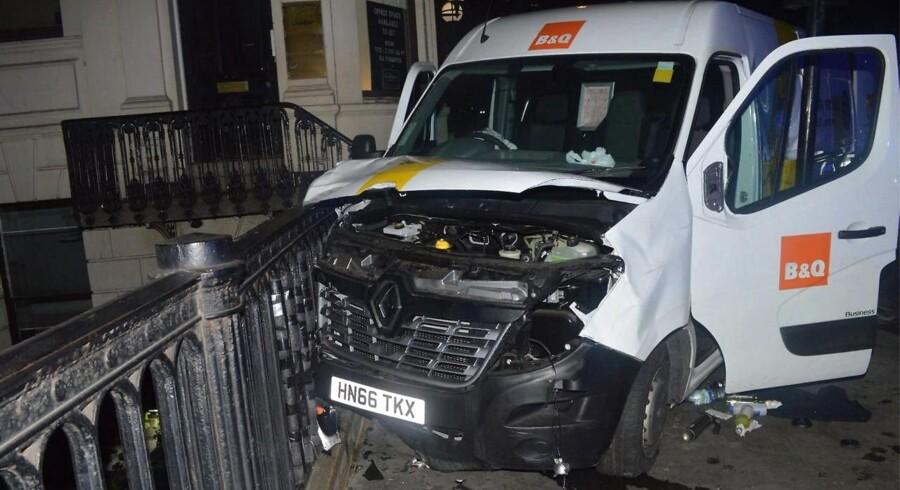 De tre mænd, der stod bag terrorangrebet ved London Bridge, forsøgte at leje en 7,5 tons tung lastbil til angrebet. Det lykkedes dog ikke, så de endte i stedet med at angribe med denne varebil.