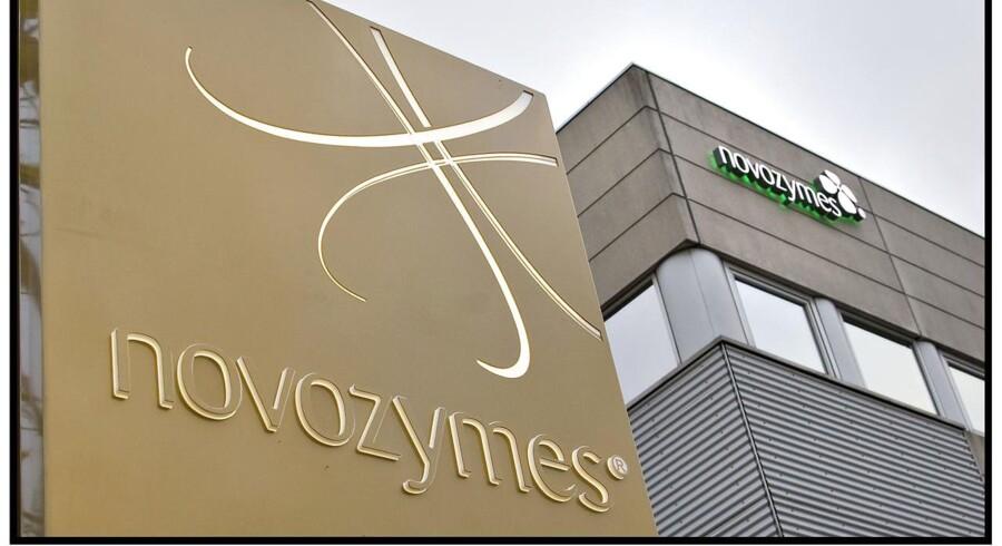 Arkivfoto. Det er overraskende, at Novozymes' aktiekurs er steget med 16 pct., siden enzymproducenten i august fremlagde regnskab for andet kvartal, og stigningen er derfor en attraktiv mulighed for at sælge ud af sine aktier i selskabet.