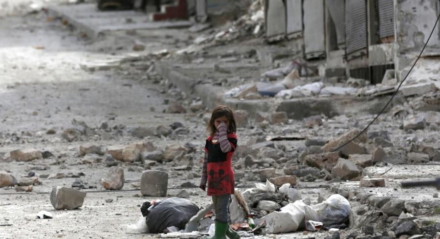 Landets leder, Bashar al-Assad indledte sammen med russiske allierede inden da en målrettet offensiv med bombninger af oprørerne i Aleppo, der havde erobret byen i 2012
