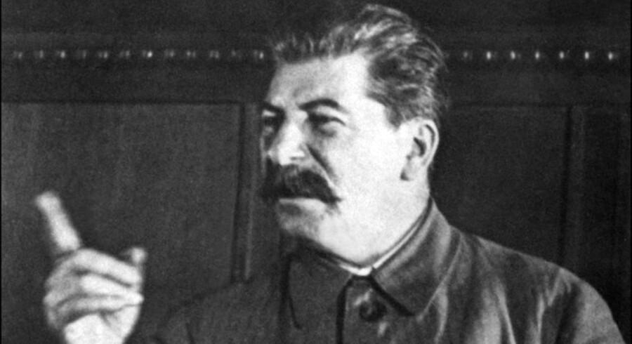 ARKIVFOTO. En tidligere sovjetagent påstår, at han har fundet beviser for, at Sovjetunionens leder, Josef Stalin, spionerede mod Kinas leder, Mao Zedong.