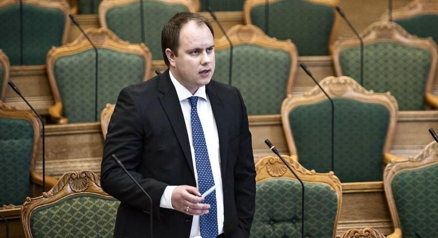 »Det er ikke Danmarks stramme udlændingepolitik, der rammer de berørte danskere, siger DF's udlændingeordfører, Martin Henriksen, under tredjebehandlingen i Folketinget,« udtaler Martin Henriksen.