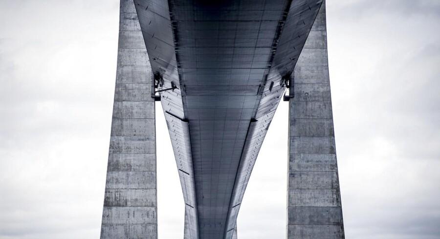 Arkiv: S og R bakker om en bro over kattegat - men de to partier vil også have en togforbindelse til at indgå i projektet.