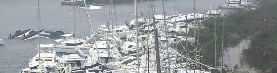 Lystbåde mast sammen ved Paraquita Bay idet Irma passerer Tortola ved De Britiske Jomfuøer.