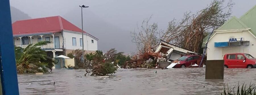 95 procent af den franske del af den caribiske ø St. Martin er ødelagt.