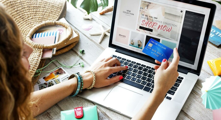 Danskerne køber ind mange forskellige steder på nettet - de fleste indkøb står kvinderne for. Arkivfoto: Iris/Scanpix