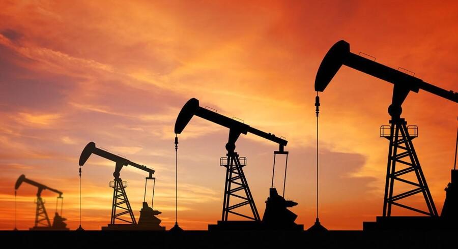 Det europæiske oliemarked oplever en stigning, mens den amerikanske WTI-olie falder. Prisen på guld er stabil, mens prisen på kobber stiger.