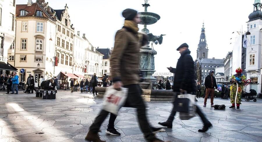 Efter et dyk i tredje kvartal af 2017 nåede bnp-væksten 0,9 procent i fjerde, oplyser Danmarks Statistik.