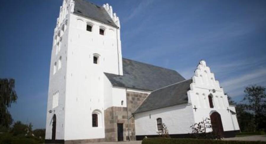 Menighedsråd kræver, at en ny præst i Brønshøj Kirke skal være parat til at vie to personer af samme køn. Det vækker kritik hos den kirkelige højrefløj. Free/Colourbox