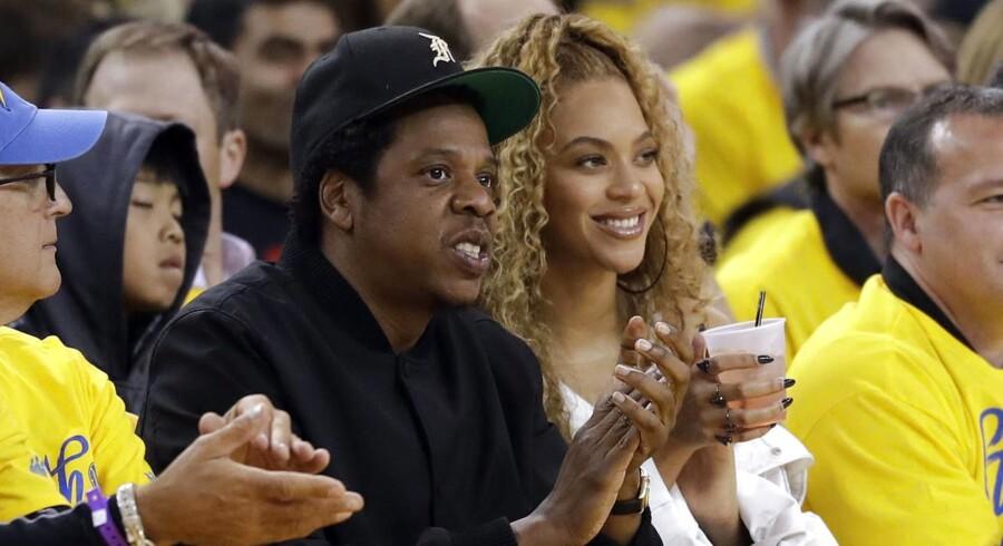 Millioner af falske afspilninger af Beyoncés album »Lemonade« på streamingtjenesten Tidal, som hendes mand Jay-Z ejer, har angiveligt ført til, at Beynoncé har modtaget flere penge, end hun var berettiget til.
