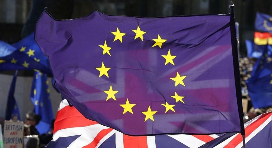 Forbrugerne i England kommer til at betale prisen for Brexit, mener analytiker ved Sydbank.