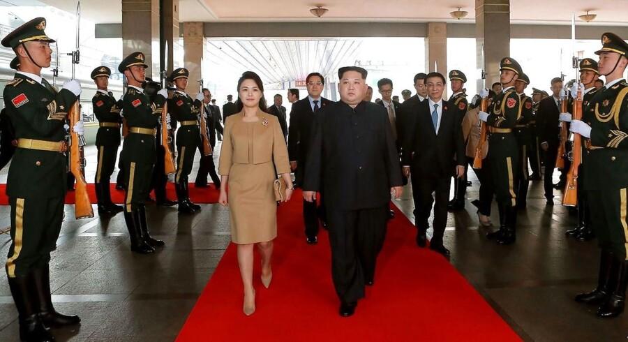 Besøget er overraskende set i betragtning af det anstrengte forhold mellem Kina og Nordkorea. Det vurderer Andreas Bøje Forsby, forsker på Nordisk Institut for Asienstudier ved Københavns Universitet.