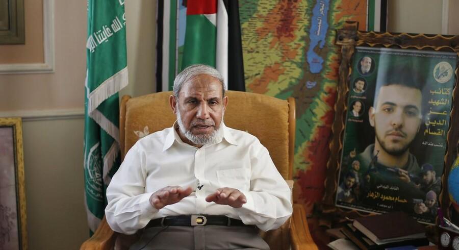 Hamasleder Mahmoud Zahar i sit hus i Gaza. Hamas vil fortsætte kampen til Haifa og Tel Aviv er besejret. REUTERS/Suhaib Salem (GAZA - Tags: POLITICS)