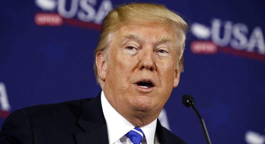 Barack Obama kunne have slukket krigen for længst, kritiserer Donald Trump, som også er efter Putin og Iran.