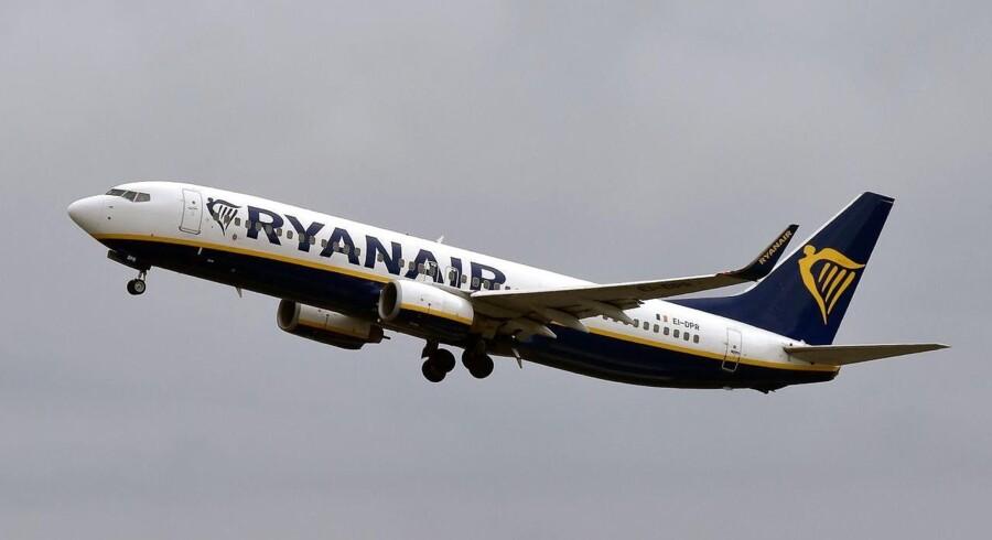 Det irske lavprisselskab Ryanair har på trods af en længerevarende kamp med fagbevægelsen leveret et fint regnskab for tredje kvartal, som er offentliggjort mandag morgen.