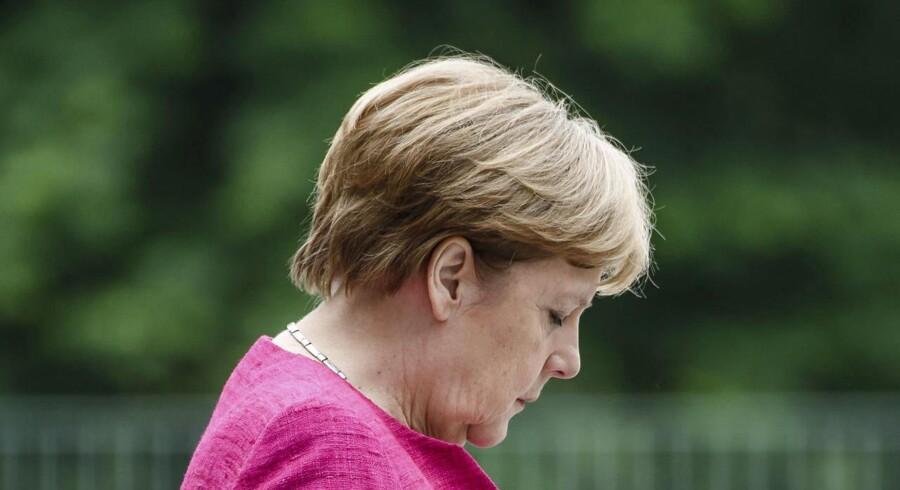 Tiden er ved at løbe ud for kansler Angela Merkel, der på torsdagens EU-topmøde skal forsøge at skabe enighed om en fælleseuropæisk asylaftale.