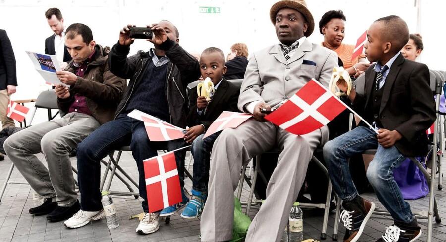 Minimum hver tiende dansker lever ikke op til kravene for at blive dansk statsborger. Arkivbillede fra 2015 - hvert år i april afholdes der statsborgerskabsdag i Folketinget for de nye statsborgere.