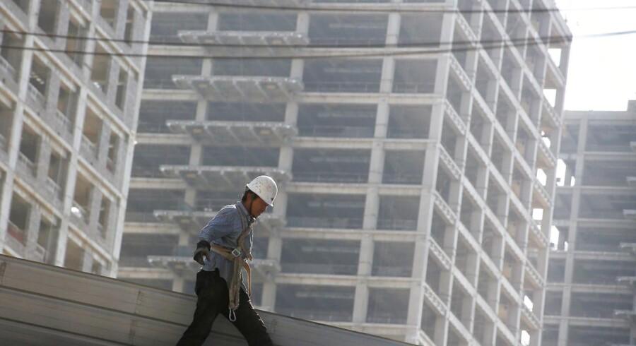 Arkivfoto: Kreditvurderingsbureauet Moody's har sænket Kinas kreditværdighed og advarer om, at lavere vækst kan føre til øget gældsbyrde i de kommende år.