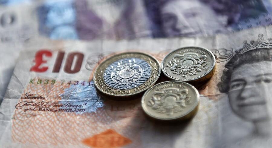 Det britiske pund styrkes onsdag, efter at forhandlere fra EU og Storbritannien ifølge den britiske avis The Telegraph er blevet enige om et af de tre afgørende vilkår ved Storbritanniens exit fra EU.