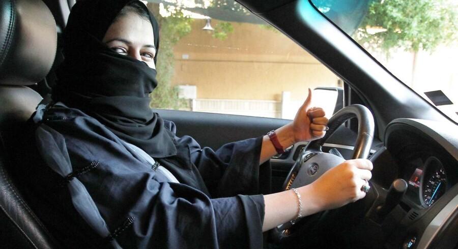 Fra juni 2018 må kvinder i Saudi-Arabien køre bil. EPA/STR