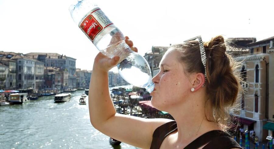 RB PLUS PFS Vandflasker kan være bakteriebomber- - ARKIVFOTO 2011- - Se RB 26/10 2016 12.00. En vandflaske fra supermarkedet, der bliver genbrugt dag efter dag, kan være fyldt med bakterier. Genbrug dem højst et par gange. (Foto: Torben Christensen/Scanpix 2016)